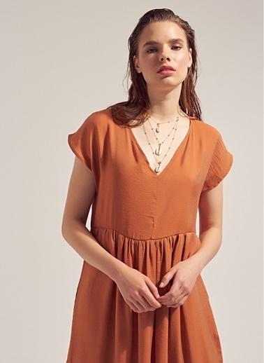 Monamoda V Yaka Volanlı Loose Fit Elbise Kiremit